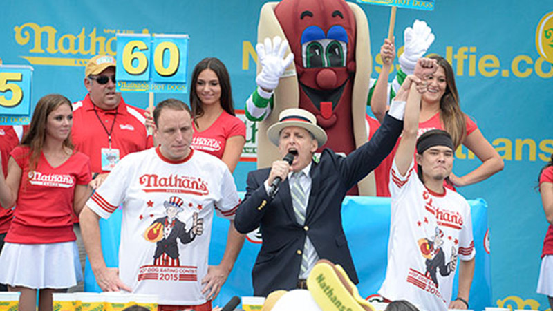 Matt Stoney upsets Joey Chestnut in the hot dog eating contest
